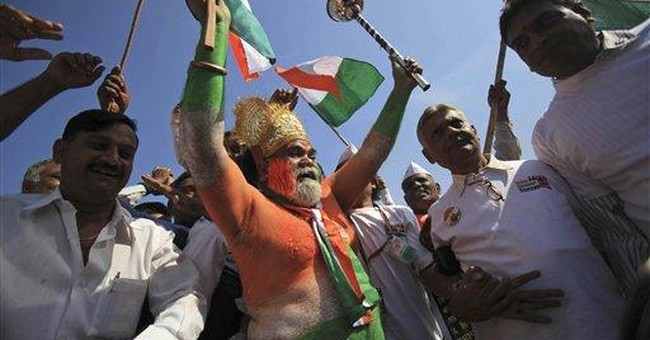 Indian activist ends fast, still opposes graft law