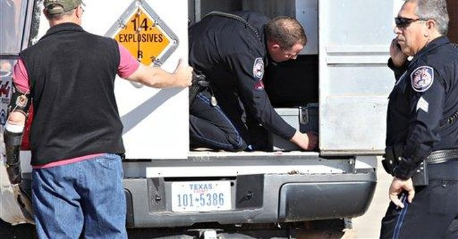 Man with explosives detained at Texas airport