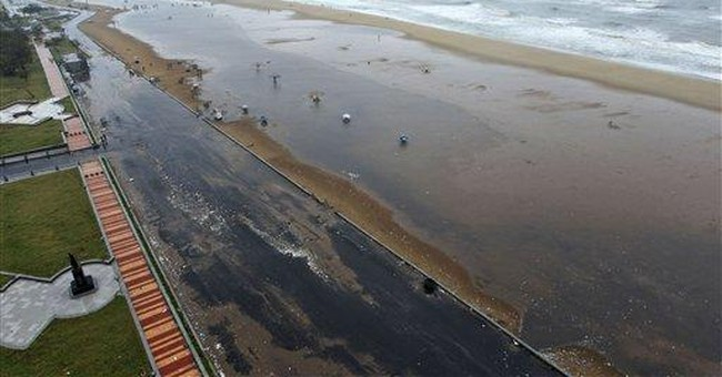 42 killed as cyclone hits southeast India