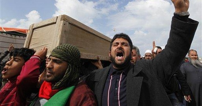 Battle at army base broke Gadhafi hold in Benghazi