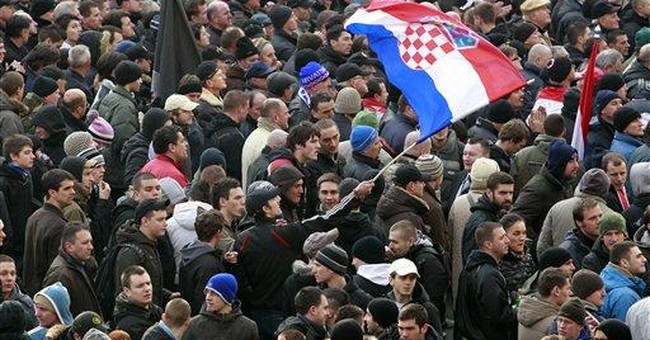 Thousands of war vets rally in Croatian capital