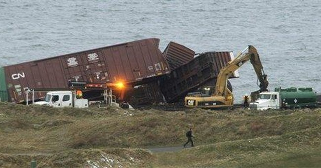 Crews contain spill after train derails in Wash.