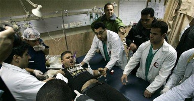 8 Palestinians wounded in clash with Israeli army