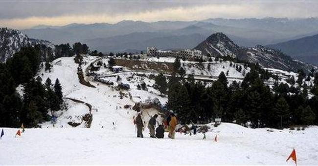 On Pakistani piste, skiers reclaim former war zone