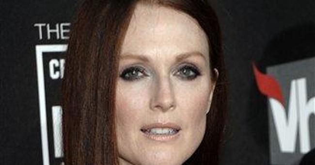 Julianne Moore set to play Sarah Palin in HBO film