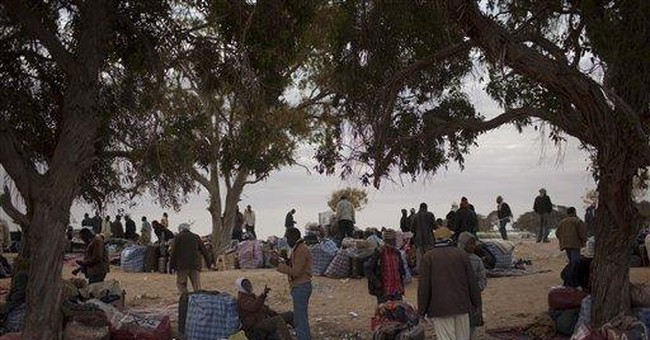Scuffles between Tunisian troops, stranded workers