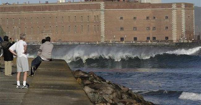 Tsunami arrives in Calif., knocks boats loose