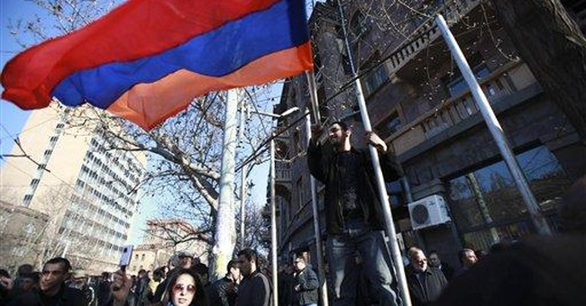 Anti-government rally draws 10,000 in Armenia