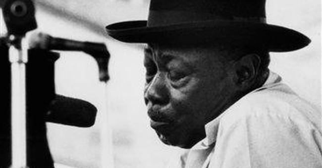 Longtime blues piano player Pinetop Perkins dies