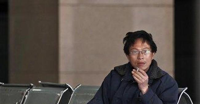 China renews push to ban smoking starting May 1