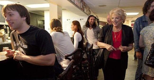 Vegas Mayor Goodman backs wife in city election