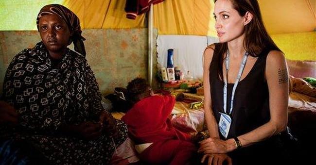Angelina Jolie visits Libya-Tunisia border