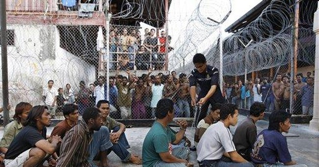 109 detainees escape Malaysia immigration center
