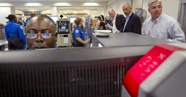 Fed Up With TSA, Lawmakers Plan Legislation to Privatize All Federal Screeners