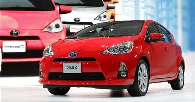 Toyota unveils new smaller version of Prius