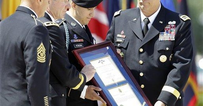 Army sergeant receives 2nd highest military honor
