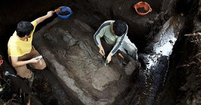 Remains of Guatemalan civil war victims unearthed
