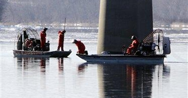 Divers search icy river for Maine tot gone 3 weeks