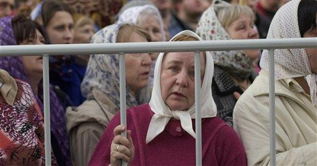Tens of thousands pray for Russia's church