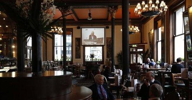 Praise, skepticism for Murdoch in UK newspapers