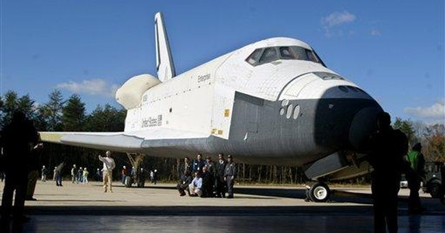 Space shuttle arrives in NYC; crowds watch in awe