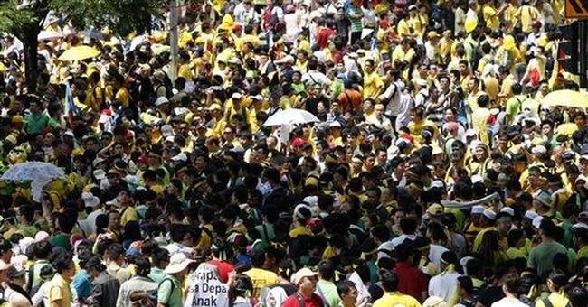 Huge rally raises question on Malaysia poll timing