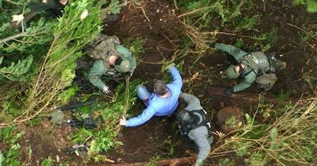 Police blow Wash. mountain bunker, find man dead