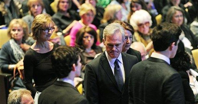 Colleagues, friends gather to honor Mike Wallace