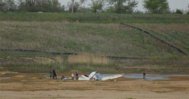 2 men dead in small plane crash in Illinois