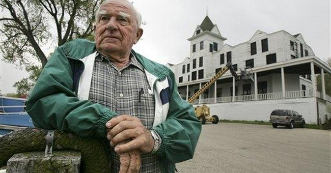 Illinois hotel favored by Capone for sale on eBay