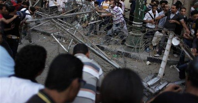 Media watchdogs decry Egypt attacks on reporters