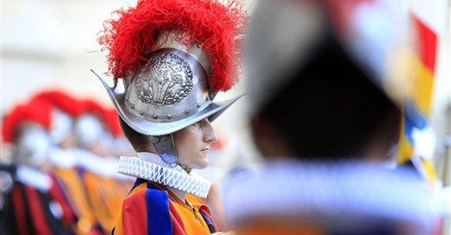 Vatican welcomes 26 Swiss Guards into oldest army