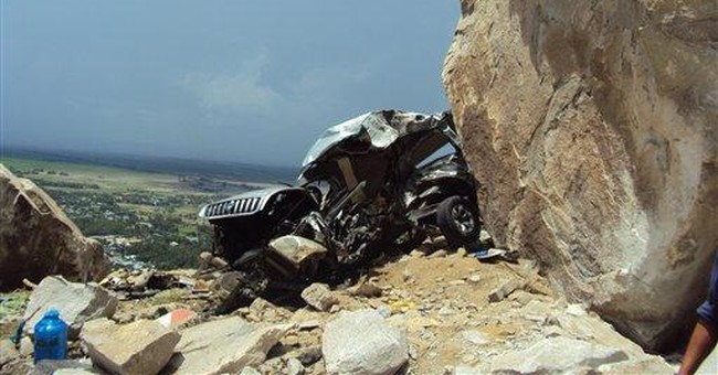 Boulder falls on car, kills 6 pilgrims in Vietnam