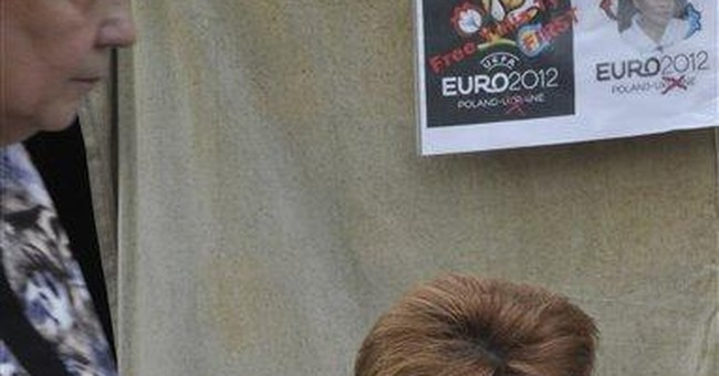 Ukraine postpones summit boycotted over Tymoshenko