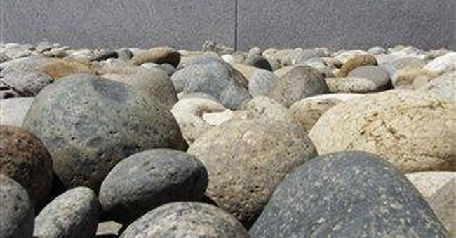 Cisco's sobering forecast overshadows 3Q earnings