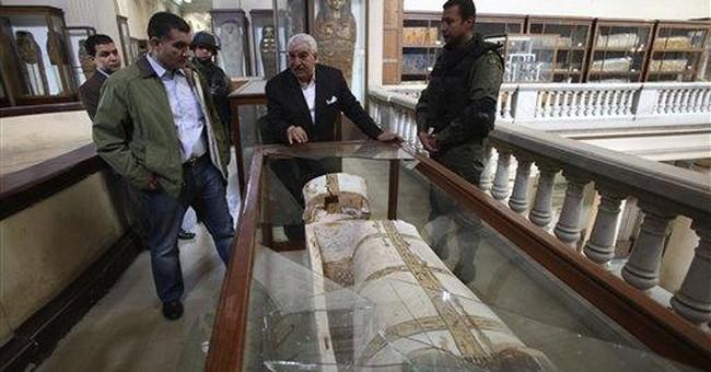 In Egypt turmoil, thieves hunt pharaonic treasures