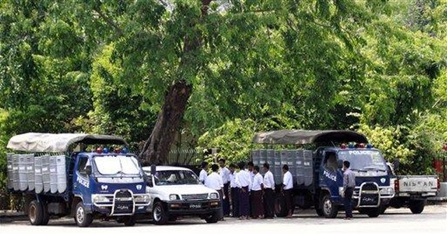 Lee makes 1st SKorean trip to Myanmar since attack
