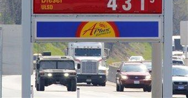 US consumer prices flat as gas costs fall