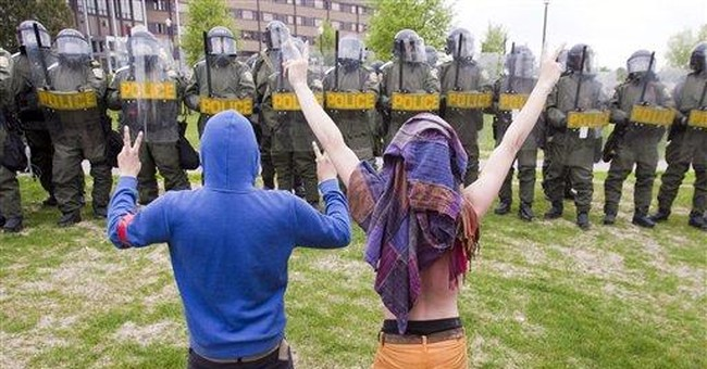 Emergency law considered in Quebec student protest