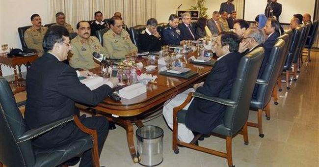 Pakistan: president, army chief meet amid crisis