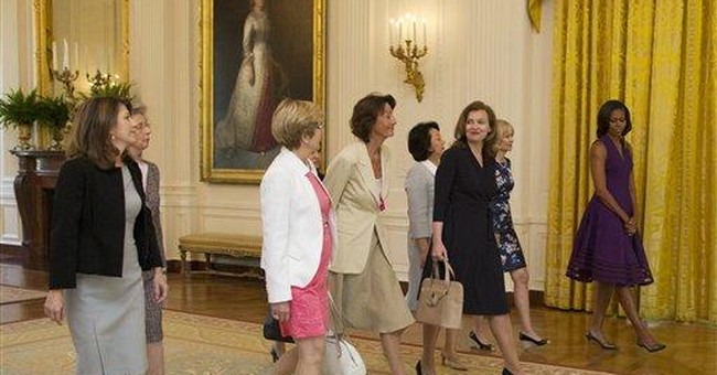 Michelle Obama hosts G-8 spouses at White House