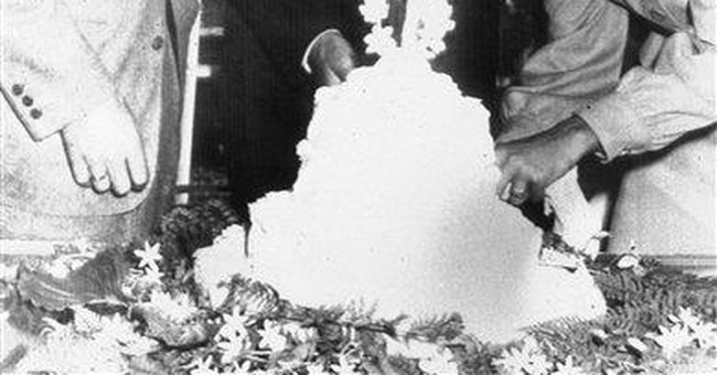Bogart's son to help Ohio farm where parents wed