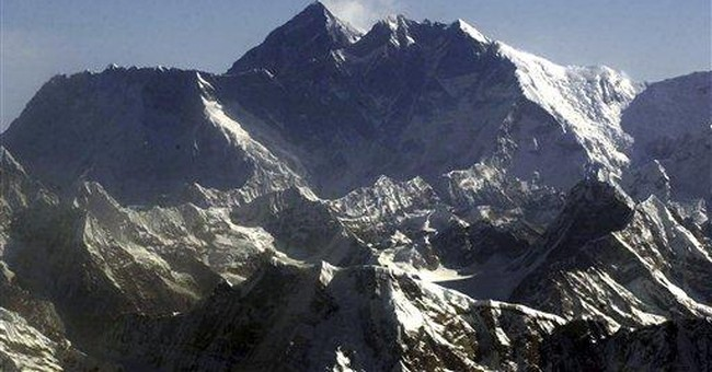 Everest will be crowded again days after 4 killed