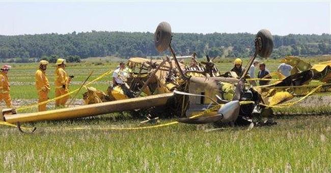1 dead after Arkansas crop-dusters collide midair