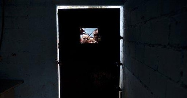 Inmates, corruption rule Honduras' deadly prisons