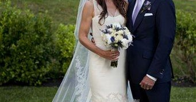 VP Joe Biden's daughter marries doctor in Delaware
