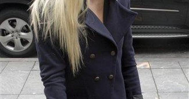 Paris Hilton tries to settle NYC lingerie lawsuit