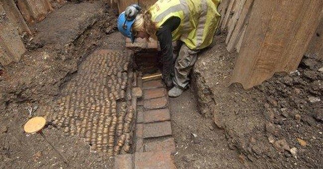Remains of Shakespeare's Curtain Theatre found