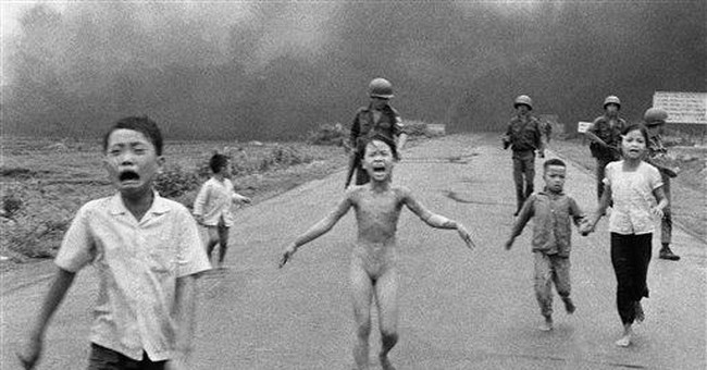 "Woman in AP ""napalm photo"" honors her saviors"
