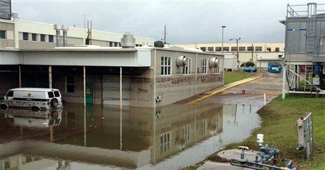 Heavy rains flood homes, jail in Fla. Panhandle
